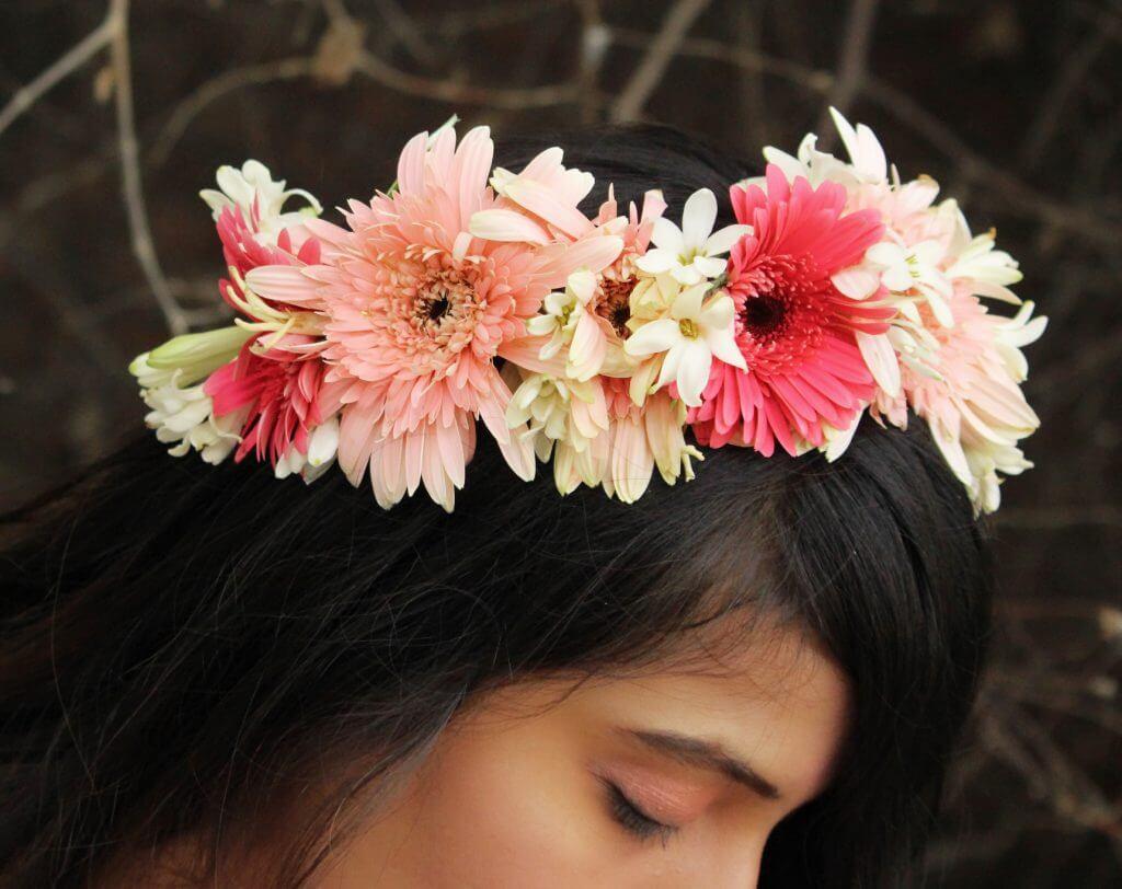 Shrizan Focus On Hairs And Flower Bun