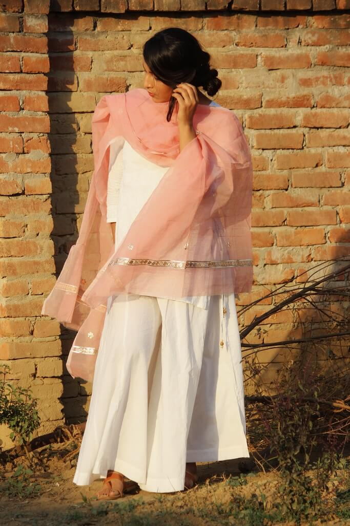 Festive Fashion Styling For Eid By Shrizan in simple Chikankari kurti and dupatta
